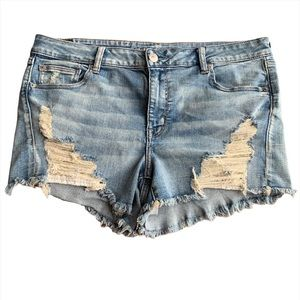 AMERICAN EAGLE | Distressed Crochet Cut-off Shorts